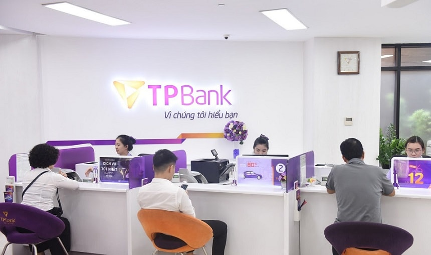 lam the atm tpbank co mat phi khong