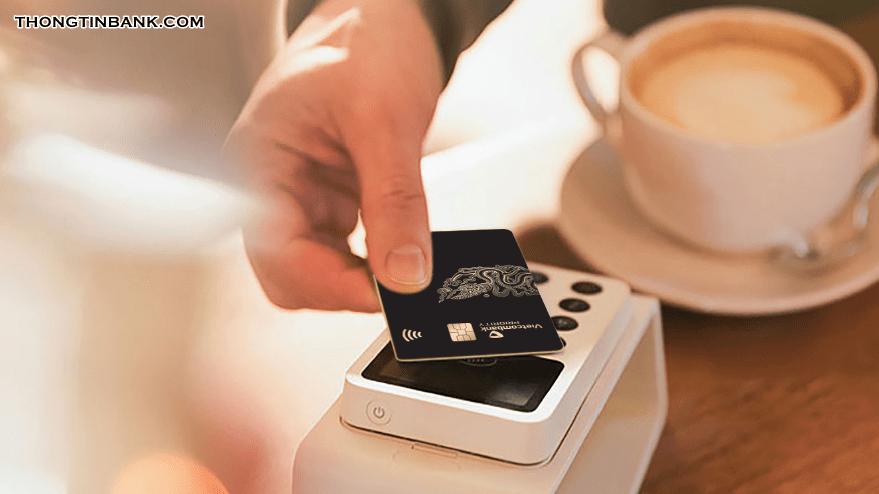 the-visa-vietcombank-rut-duoc-bao-nhieu-tien