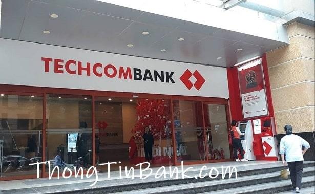Cách chuyển tiền ngân hàng Techcombank tại quầy