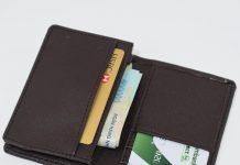 Thẻ atm hết tiền có bị khóa không